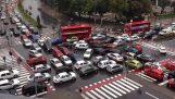 Ατελείωτο μποτιλιάρισμα σε διασταύρωση (Σκόπια)