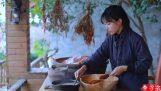 Traditionelle chinesische Küche, die von Li Ziqi