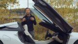 Hoe stap je in een BMW i8