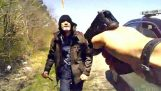 Αστυνομικός έρχεται αντιμέτωπος με ένα δολοφόνο