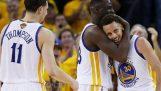 Les guerriers font la 73e victoire et en coupant le record de la NBA