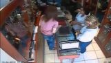 Systematic theft in jewelry store in Larisa