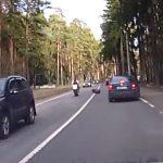 Τροχός αυτοκινήτου εναντίον μοτοσικλετιστή