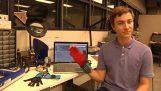 Τα γάντια που μεταφράζουν τη νοηματική γλώσσα