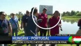 The Cristiano Ronaldo flies a reporter's microphone in water