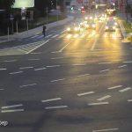 Ένα ταξί γλιτώνει ποδηλάτη από βέβαιο θάνατο