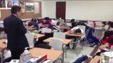 La burla con studenti morti