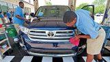 Πλυντήριο αυτοκινήτων ευδοκιμεί, προσλαμβάνοντας υπαλλήλους με αυτισμό