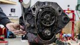 De wederopbouw van een V8-motor in timelapse