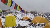 Huge avalanche hits camp climbers on Everest