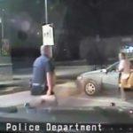 Έβαλε φωτιά στο αυτοκίνητό του όταν τον συνέλαβαν