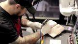 タトゥー アーティストになります。;