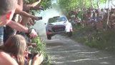 在波蘭拉力賽最壯觀的跳轉