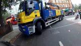 Φορτηγό εναντίον μοτοσικλέτας