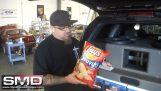 Γούφερ αυτοκινήτου vs σακουλάκι με πατατάκια