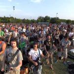 1000 μουσικοί παίζουν μαζί ένα κομμάτι
