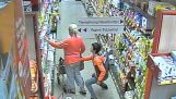 A pickpocket at the supermarket