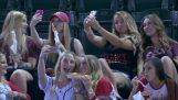 Момичета, pooping в Selfie мач