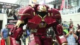 A lenyűgöző felszerelés Hulkbuster, a Comic Con-jelentés