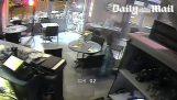 Βίντεο από τις επιθέσεις σε εστιατόριο του Παρισιού