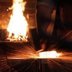 Η κατασκευή ενός χειροποίητου μαχαιριού από Δαμασκηνό ατσάλι
