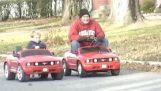 """Ένα """"βελτιωμένο"""" παιδικό αυτοκίνητο"""