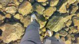 Ходьба по льоду озеро ясний