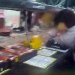 Εξαντλημένοι εργάτες στα εργοστάσια της Apple στην Κίνα