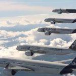 5 πολιτικά αεροσκάφη Airbus A350 XWB πετούν σε σχηματισμό