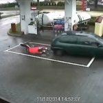 Ο γενναίος υπάλληλος στο βενζινάδικο