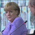"""Το βλέμμα της Μέρκελ στο """"χιούμορ"""" του Πούτιν"""