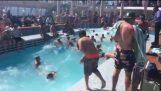 Pool hajó rossz tengeri