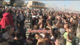 Ο κακός χαμός στο λιμάνι του Κιάτου: Έπαιξαν ξύλο για τον Σταυρό