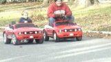 Hisse senedi Mustang vs modifiye Mustang