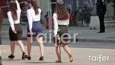 นักเรียน Barefoot ในเทสซาโลขบวนพาเหรด
