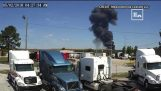 Video shows the moment a military plane crashed in Georgia