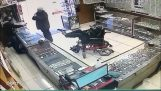 Robbery with feet in a jewelry store
