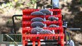 Κατάφερε να σηκώσει 54 κιλά με ένα σύστημα γραναζιών από Lego