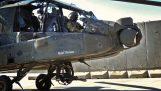 Как огнестрелно оръжие Apache следва очите на пилота