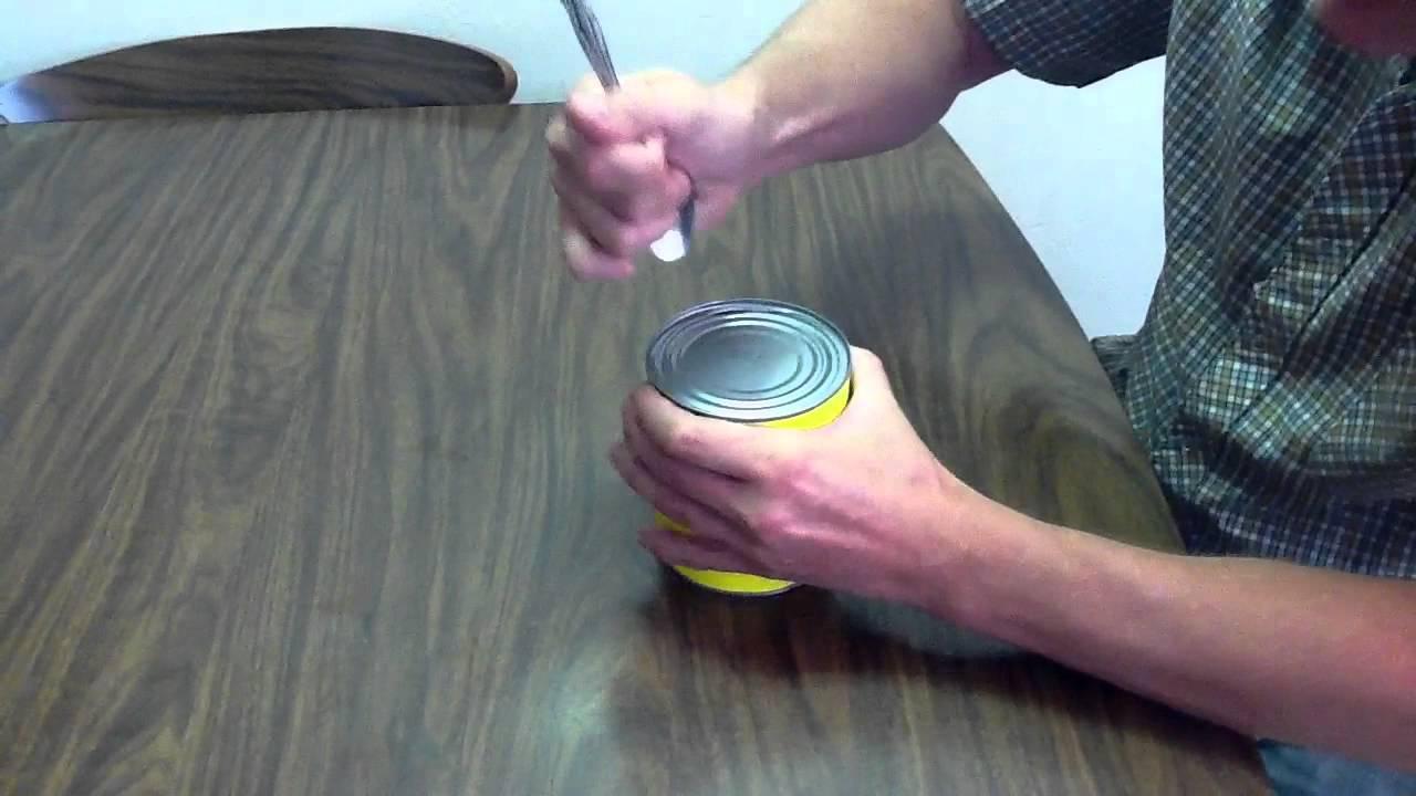 Comment Ouvrir Une Boite De Conserve Sans Ouvre Boite comment ouvrir une boîte de conserve d'à l'aide de la cuillère