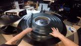 Bir sinema IMAX bir film projektörü hazırlanması