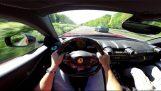 Μια Ferrari 812 Superfast με 320 χλμ/ώρα στον Autobahn