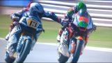 Romano Fenati trykker på bremsen sin motspiller i løpet Moto2