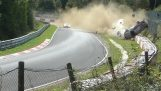 ニュルブルクリンクでのポルシェ911 GT3の印象的な事故