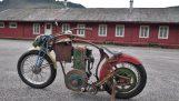 Un moto improvvisato Steampunk