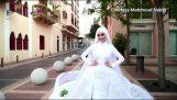 Primer plano de una boda en el momento de la explosión en Beirut