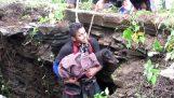 Η διάσωση ενός σκύλου από πηγάδι