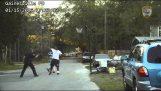 Politie ontvangt oproep voor de vrede bij basketbalveld verstoren