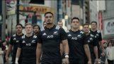 Die Rugby-Mannschaft von Neuseeland spart Vorübergehenden