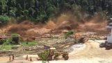 Κατάρρευση φράγματος προκαλεί τρομακτική πλημμύρα (Λάος)